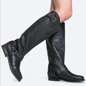 Betsey Johnson Leigh Boots